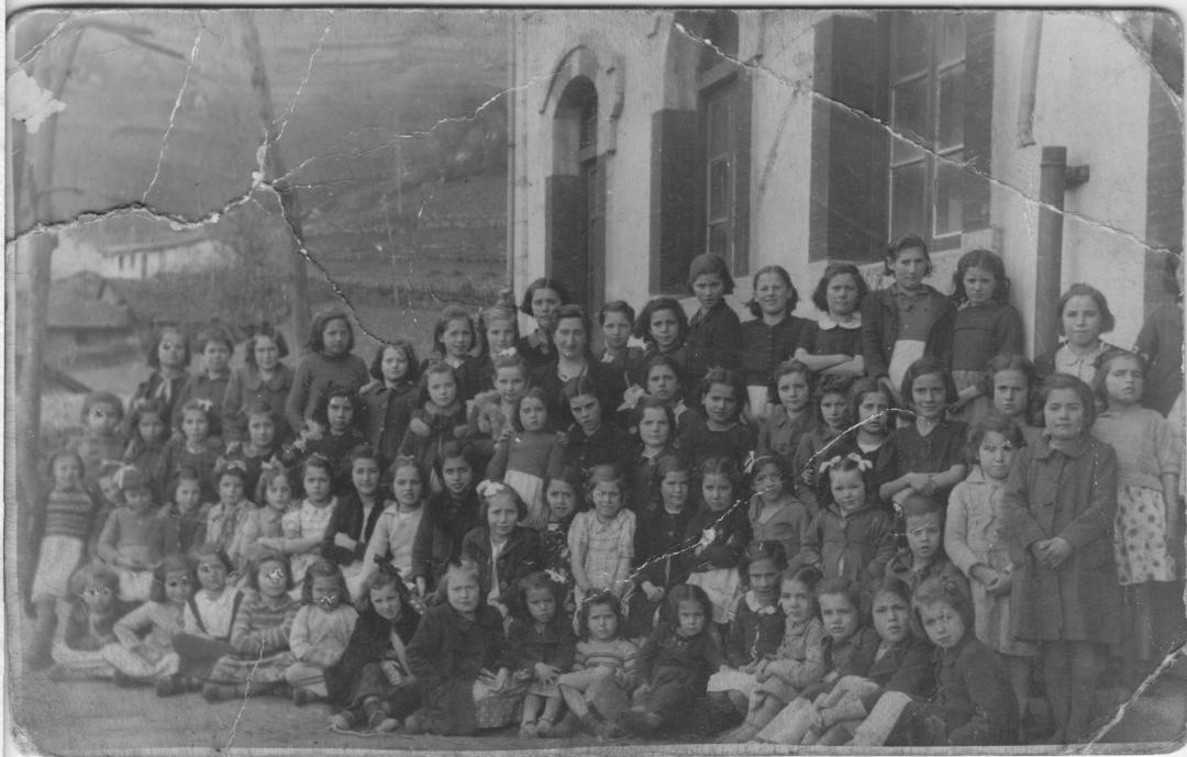 Foto escuelas de Pelugano años 30